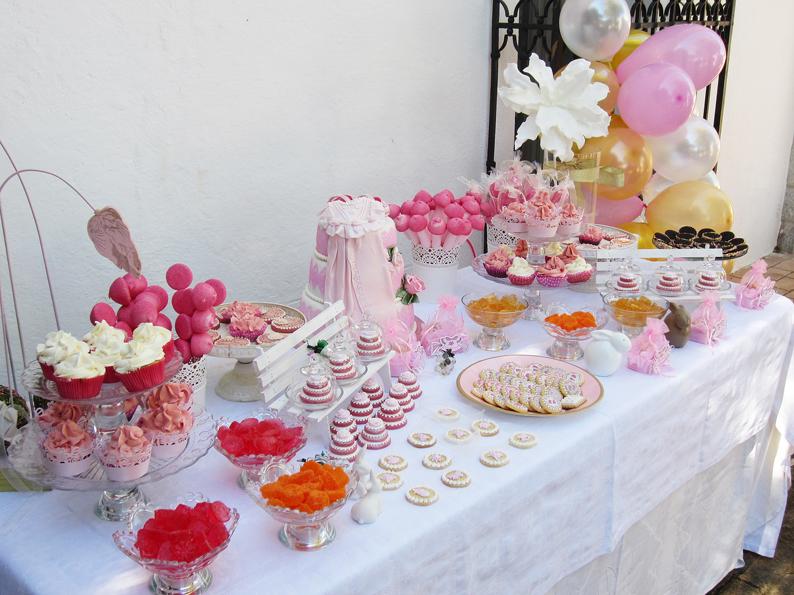 Pink artesanas galletas y tartas decoradas mesa dulce for Mesa dulce para bautismo