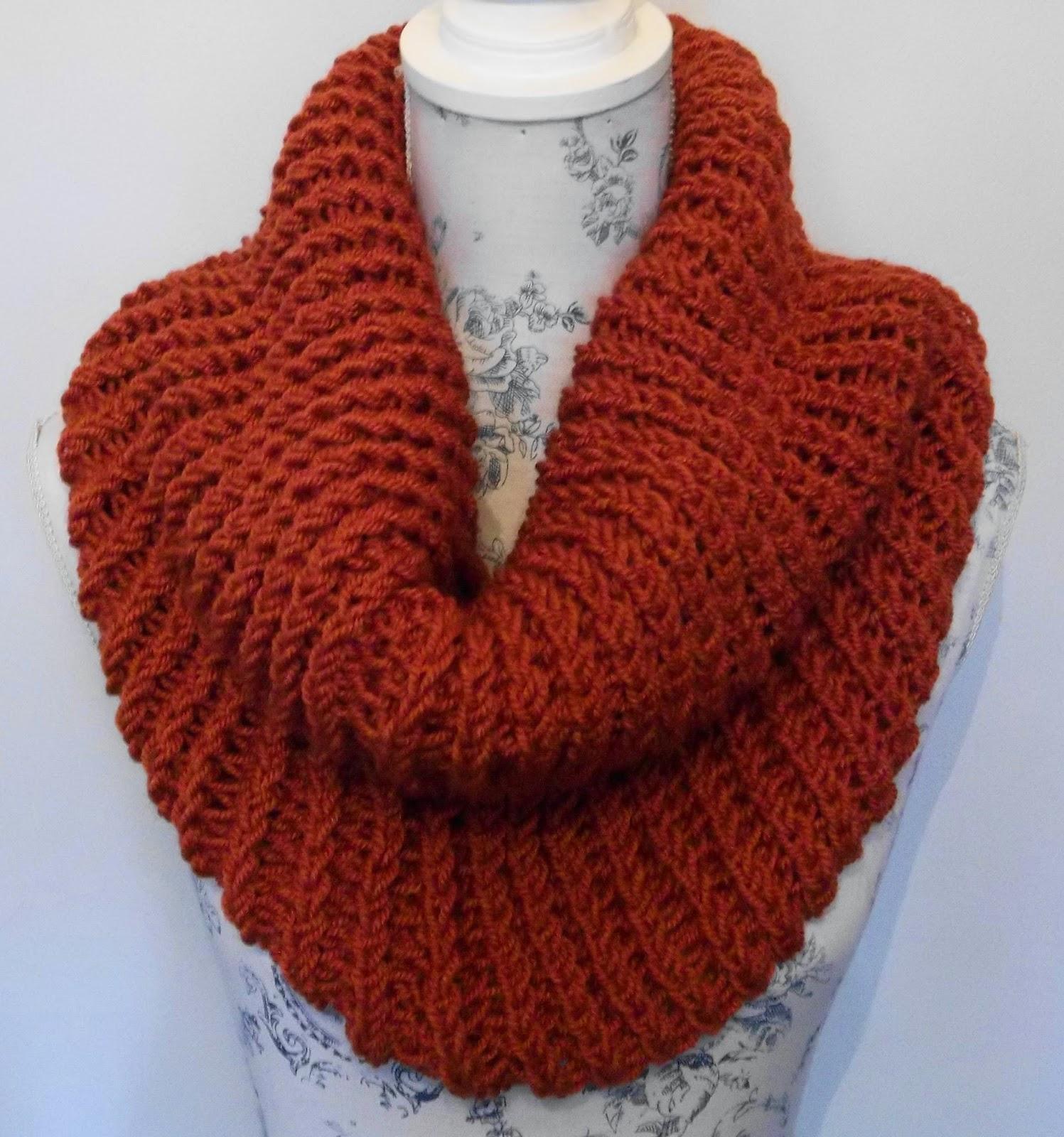 Aran Brioche Cowl. PDF Hand Knitting Pattern