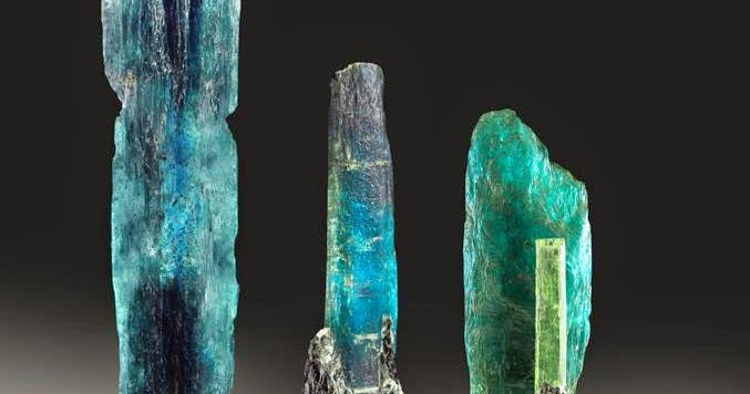 The beautiful colours of Harts Range Kyanite