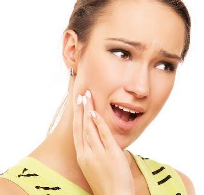 13 Cách chữa viêm nứu răng tại nhà