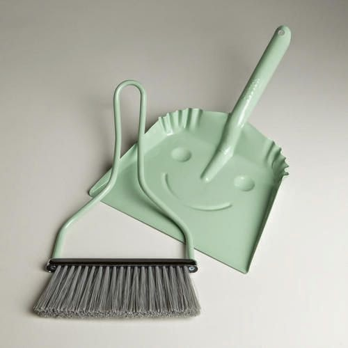Mint dust pan and brush