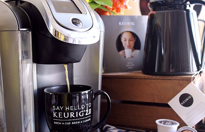The Keurig 2.0 K550 Brewing System: Brew up to 6 cups in the Carafe, Digital touch screen operation, change the size and strength of single cups, save favorite brew profiles, and change ambient lighting.