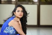 Ishika Singh Latest Glamorous Photos-thumbnail-3