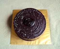 Untuk Tempahan : Moist Choc Cake with Choc Ganache