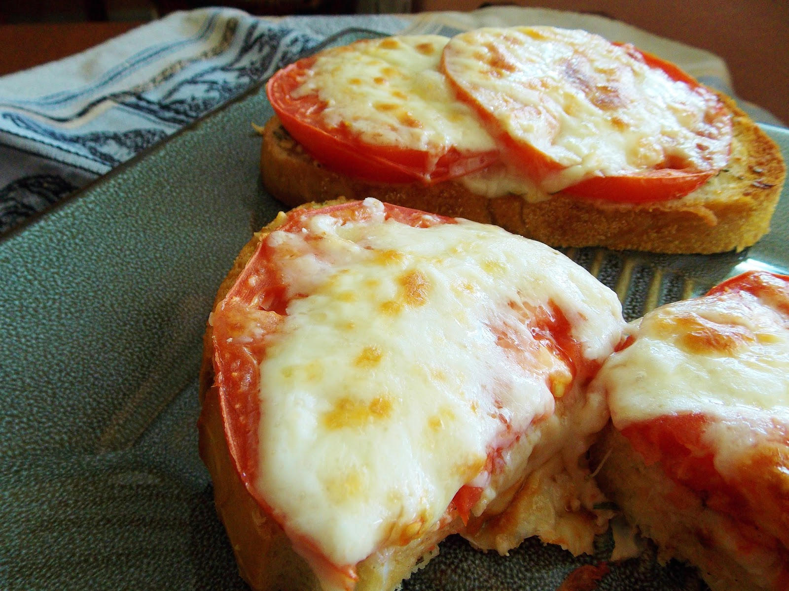 Food and Thrift: Toasted Parmesan Tomato Bread