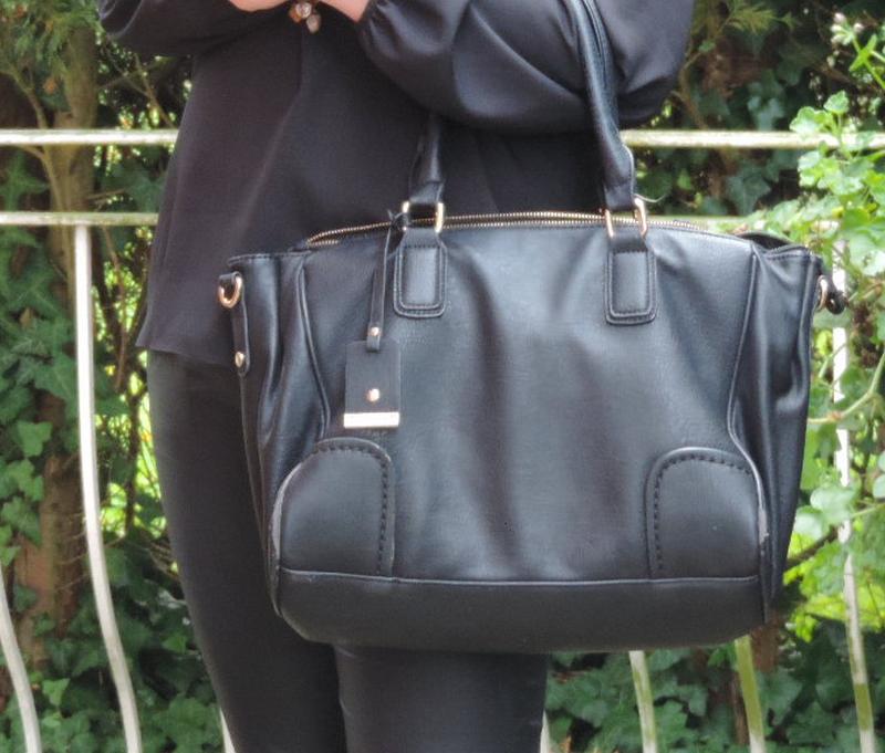 sac a main assez grand pour les cours celia alonso blog. Black Bedroom Furniture Sets. Home Design Ideas