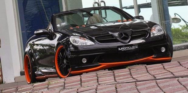 modifikasi mobil mercedes benz black orange