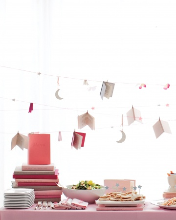 Graduation party ideas mirabelle creations for Baby shower decoration ideas martha stewart