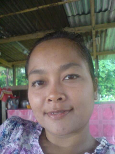 Atie Tudung Gadis Kampung melayu bogel.com