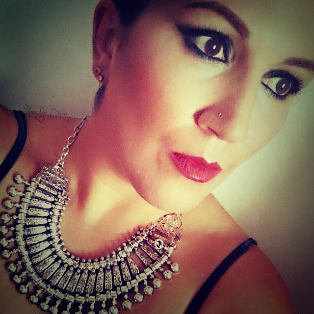 Make up inspi Kim Kardashian smoky eyes blue