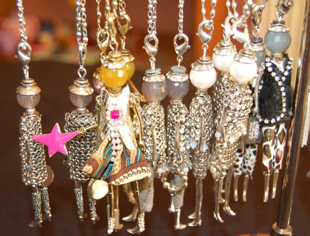 Villancher Dolly Necklaces