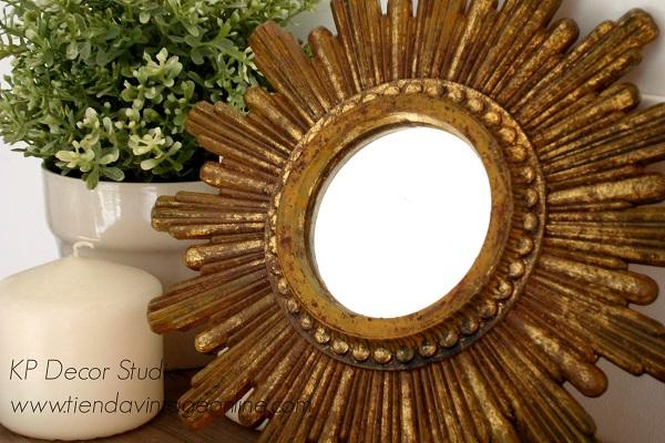Espejo de pared sol dorado especial para composiciones de pared