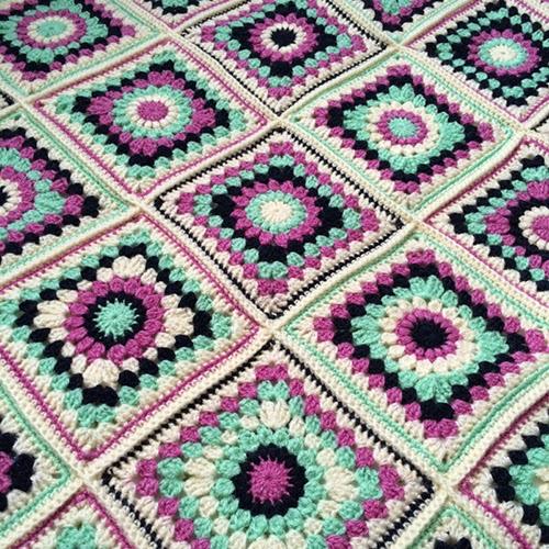 Sunburst Granny Square - free Pattern