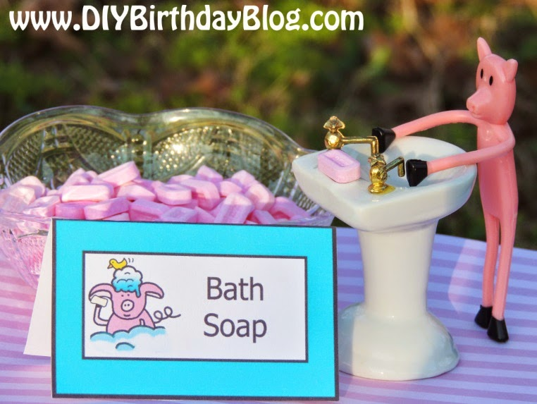 Piggy Bubble Bath Birthday Party Idea