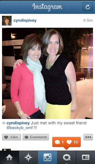 Hanging out with Cyndi | OrganizingMadeFun.com