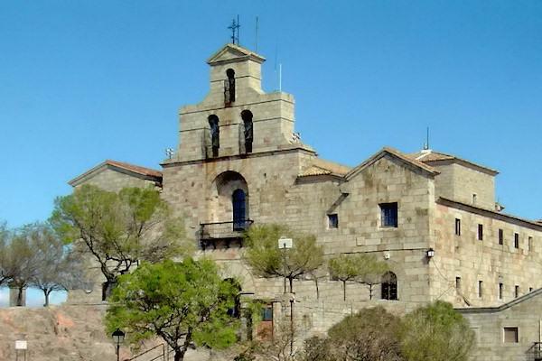 LAS ALMAS DEL SANTUARIO DE LA VIRGEN DE LA CABEZA (ANDUJAR, JAEN) Santuario
