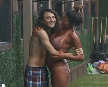 Are mccrae and amanda still dating 6