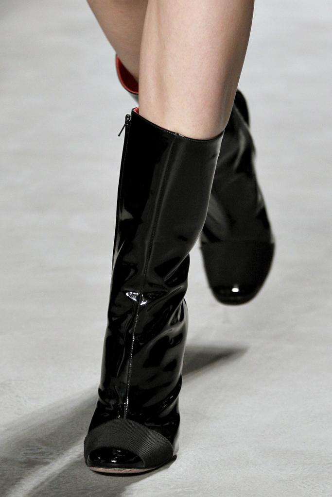 Giambattista Valli Fall/Winter 2011 accessories / ankle boots trend report