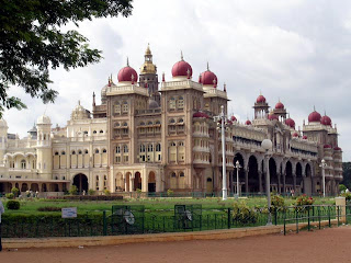 Most beautiful palaces in the world