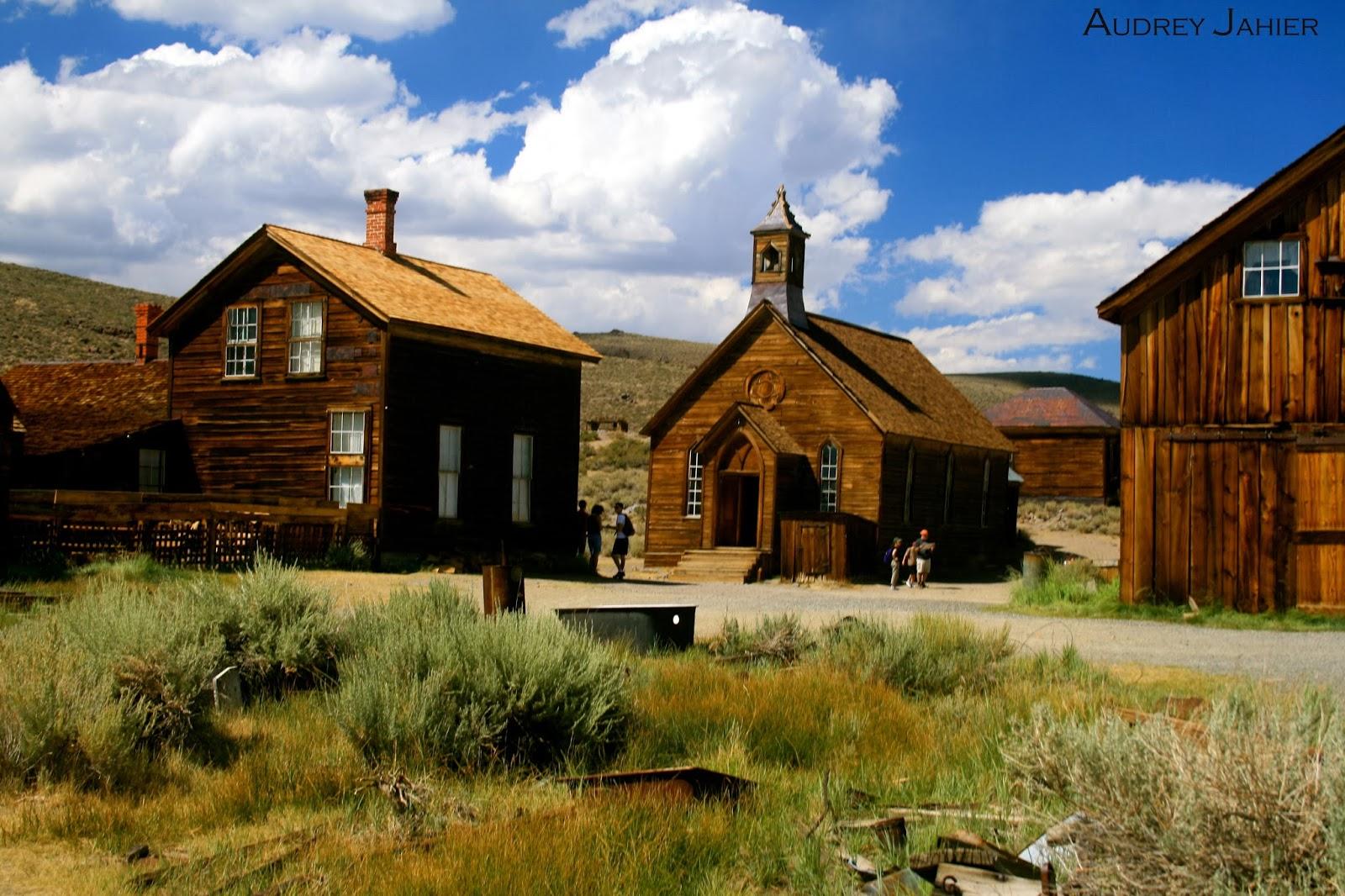 bodie-ghost-town-california-road-trip-USA