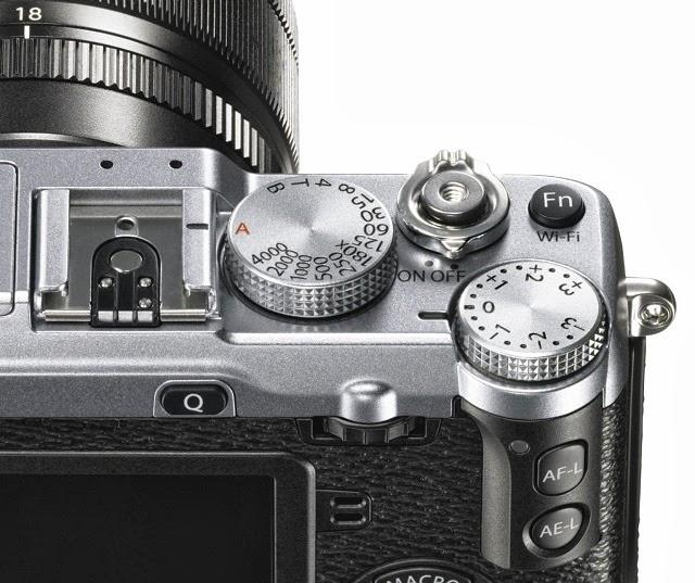 Dettaglio delle ghiere della Fujifilm X-E2