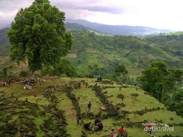 Situs Gunung Padang yang misterius
