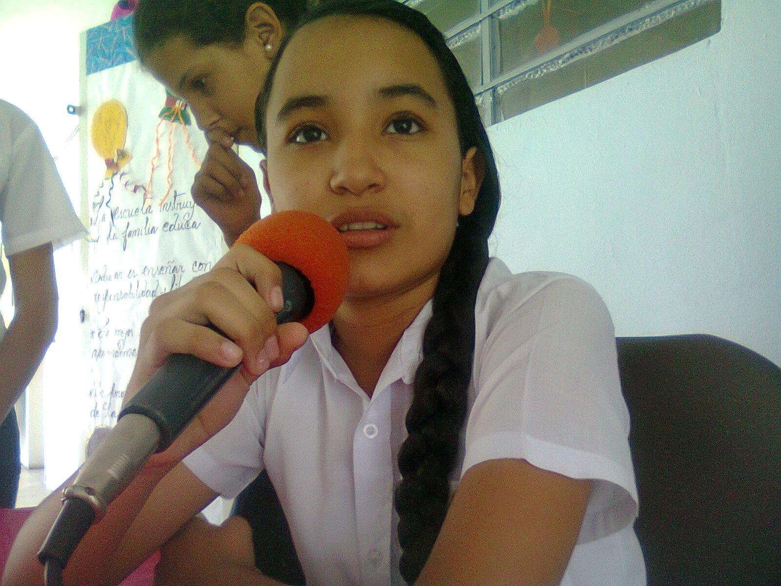 LEONELA BENITEZ, ESTUDIANTE DE SEXTO GRADO, 6 AÑOS EN RADIO