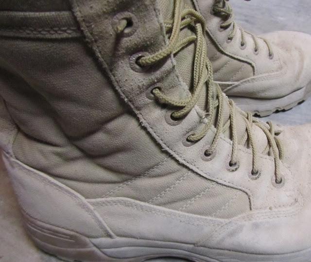 Desert combat boots | www.settingforfour.com