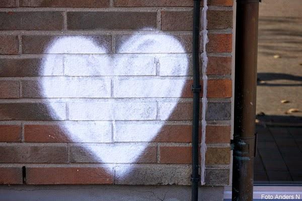 hjärta, på väggen, väggmålning, heart, white, on the wall, vitt