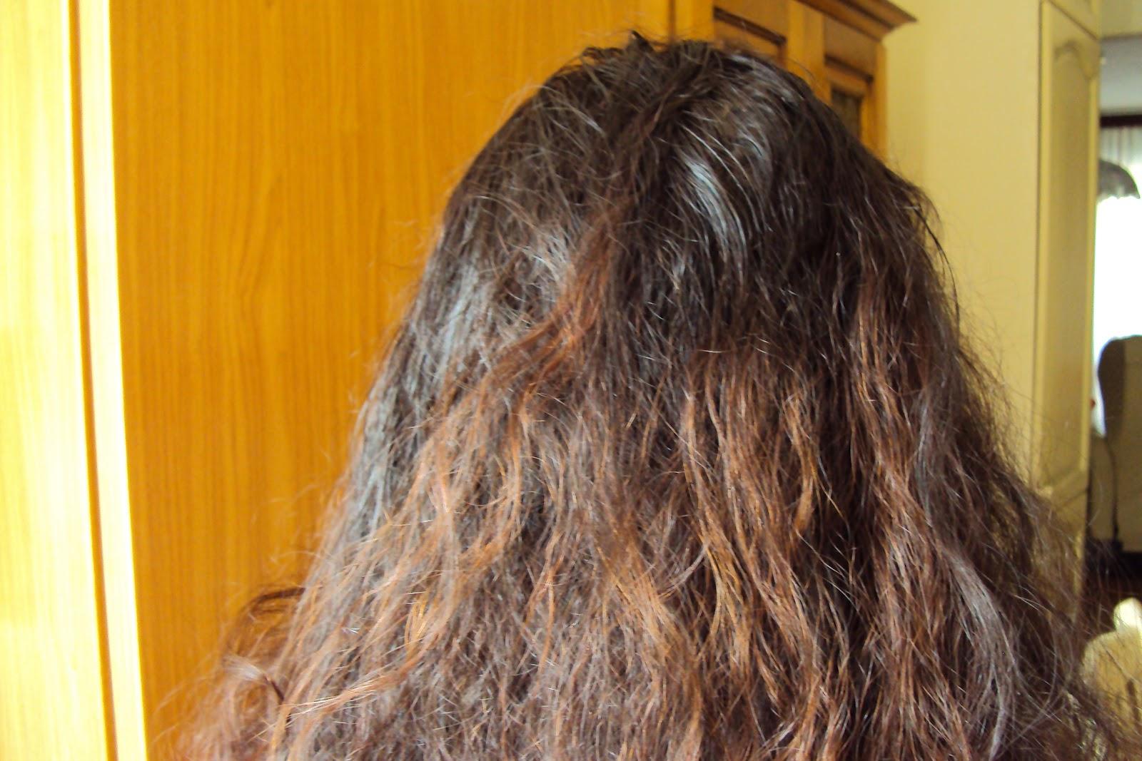 Le maschere per capelli inumidisco la pelle principale