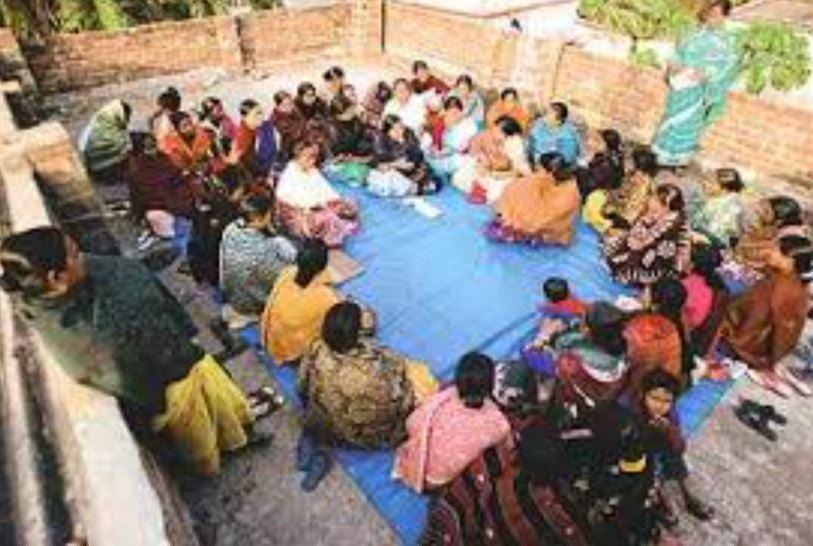 essay on women reservation bill in india Women's reservation: another approach mukesh dalal the women's reservation bill is currently caught in a deadly stalemate nevertheless, the idea of affirmative action to enhance the participation of women in our legislatures is finally getting to be debated in terms of exploring various options and alternatives which will avoid the pitfalls.