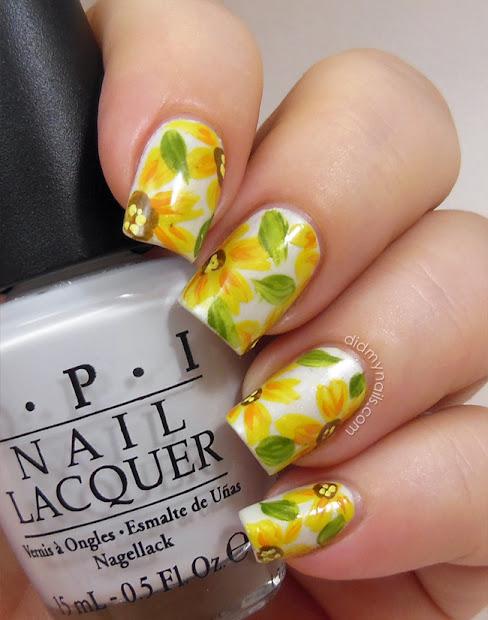 nails yellow daisy nail