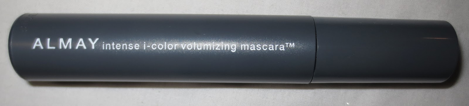 Almay Intense i-color Volumizing Mascara in Mocha