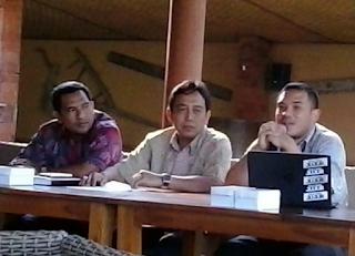Alfi Rachman Waluyo memberikan materi dalam seminar Demokrasi tanpa Korupsi