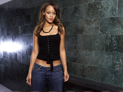 rihanna_cute_wallpaper_fun_hungama