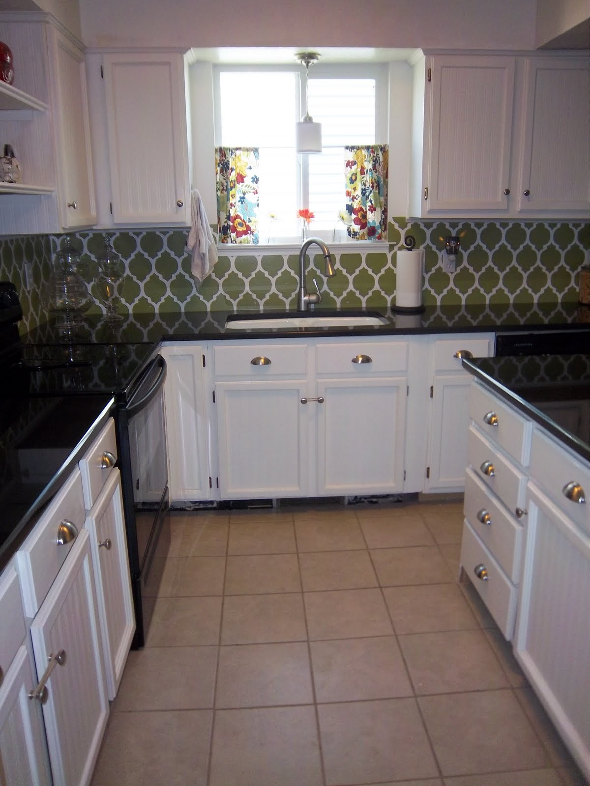 Remodelaholic kitchen remodel on a budget for Kitchen remodels on a budget