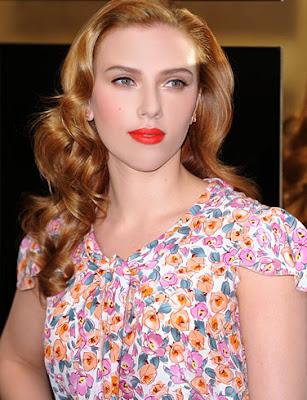 Scarlett Johansson Nice Pose