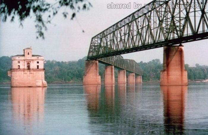 http://3.bp.blogspot.com/-8-_Cyc-_gGA/TXWbfVkyYyI/AAAAAAAAQRs/jCHhiDuHb80/s1600/bridges_17.jpg