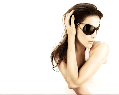 liv_tyler_hollywood_actress_hot_wallpaper_03_fun_hungama_forsweetangels.blogspot.com