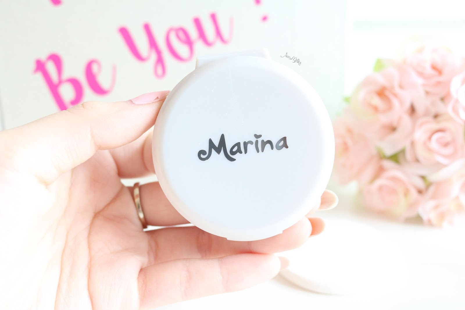 review, marina, marina smooth and glow, bb cream, two way cake, powdery foundation, compact powder, drugstore, makeup, makeup murah, smooth and glow uv, saatnya bersinar, powdery foundation, marina powdery foundation