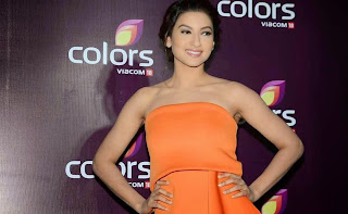 gauhar khan  at colors leadership awards 2015 9.jpg