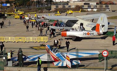 Panoràmica d'un sector de la Plataforma R-1 amb avions exposats.