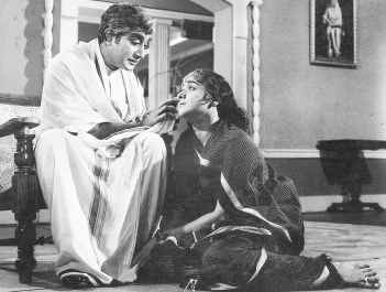 Shivaji Ganesan & Padmini in 'Viyatnam Veedu' Movie