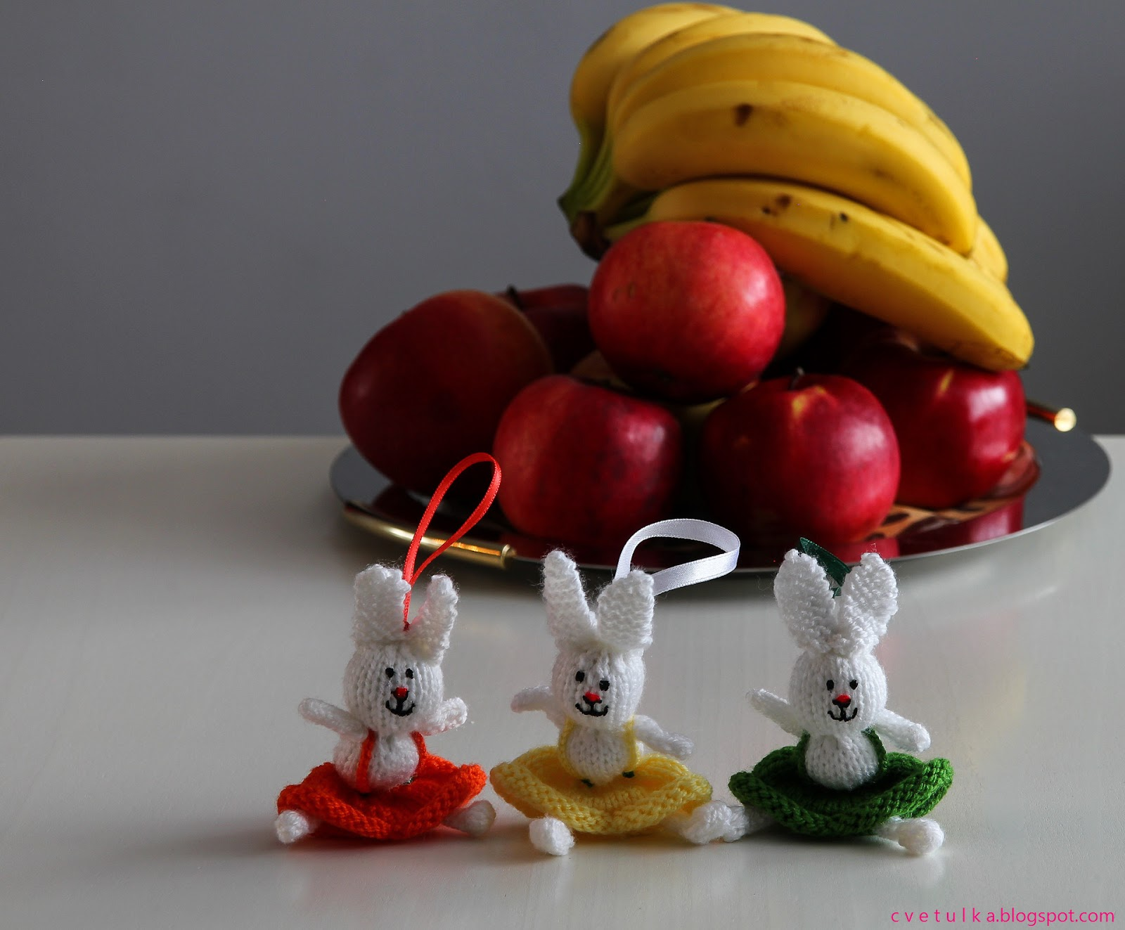 Knitting Easter Bunnies : Knit easter bunny c v e t u l k a knits