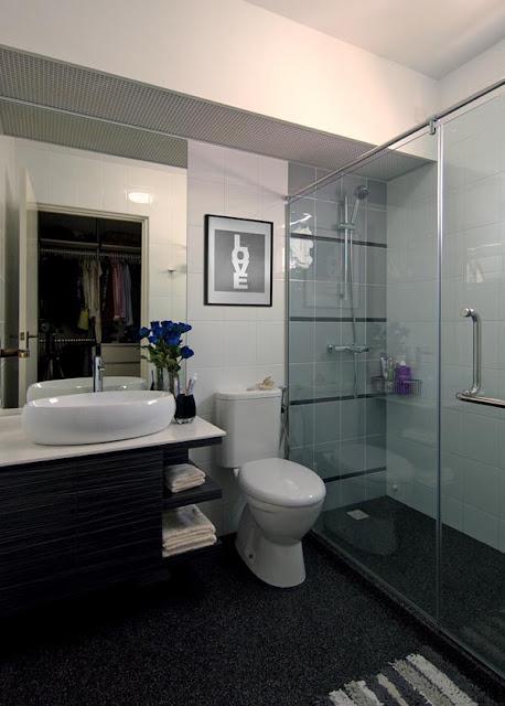Интерьер ванной комнаты в квартире в Сингапуре от KNQ Associates