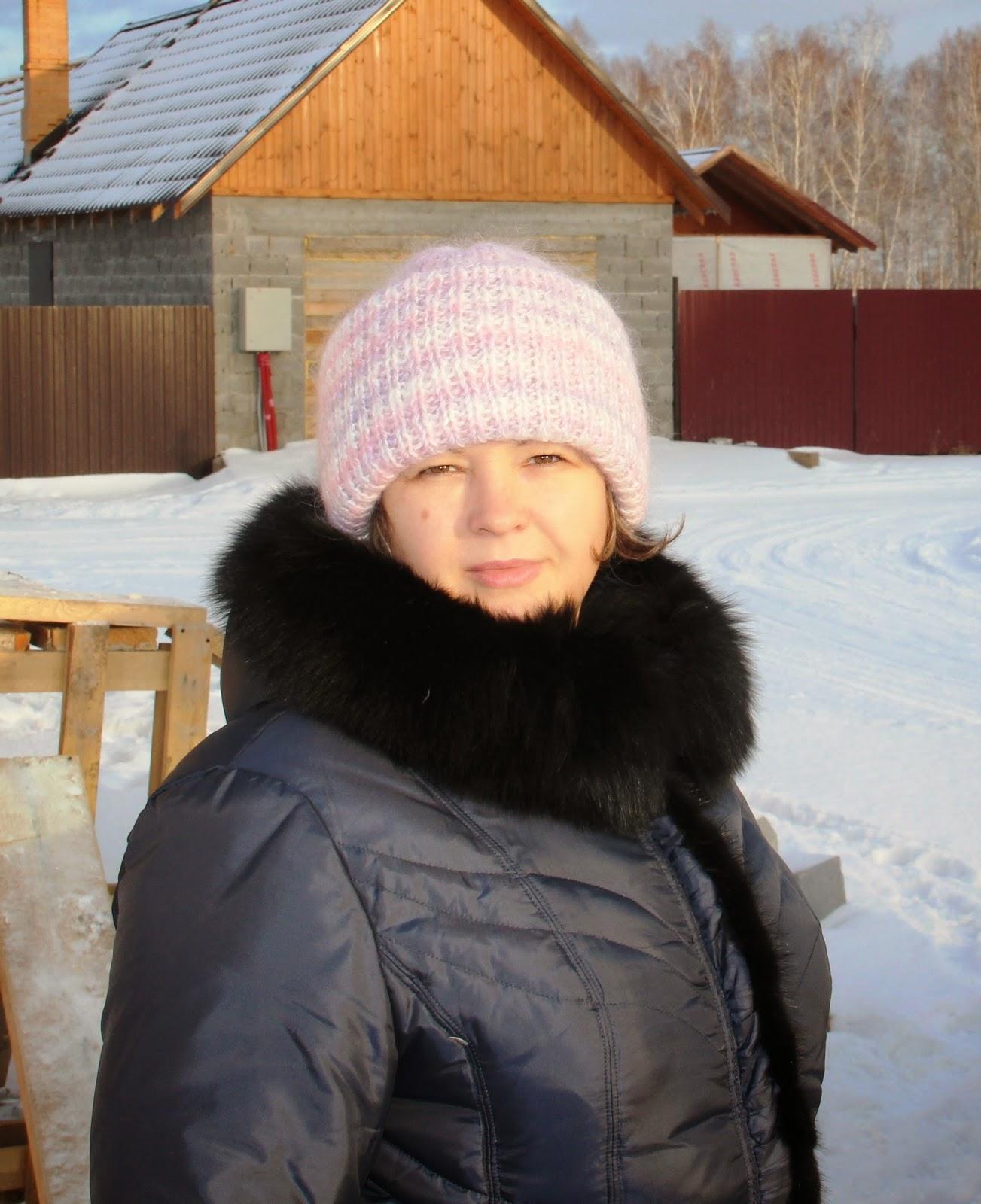 шапочка с двумя отворотами пушистая для зимы