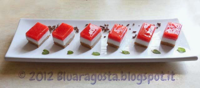 Mini cheesecake alla fragola