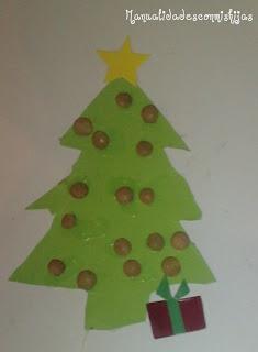 Sencillo pino de navidad de cartulina y lentejas