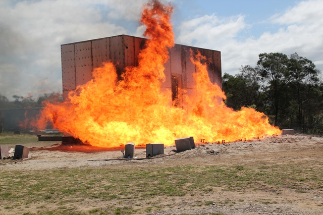 К этому моменту внешняя температура достигла 1000 градусов цельсия. В это время внутри здания зафиксировано лишь 35 градусов.  Image © CSIROnews