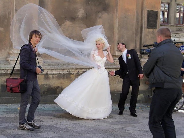 Taking wedding pictures in Lviv, Ukraine